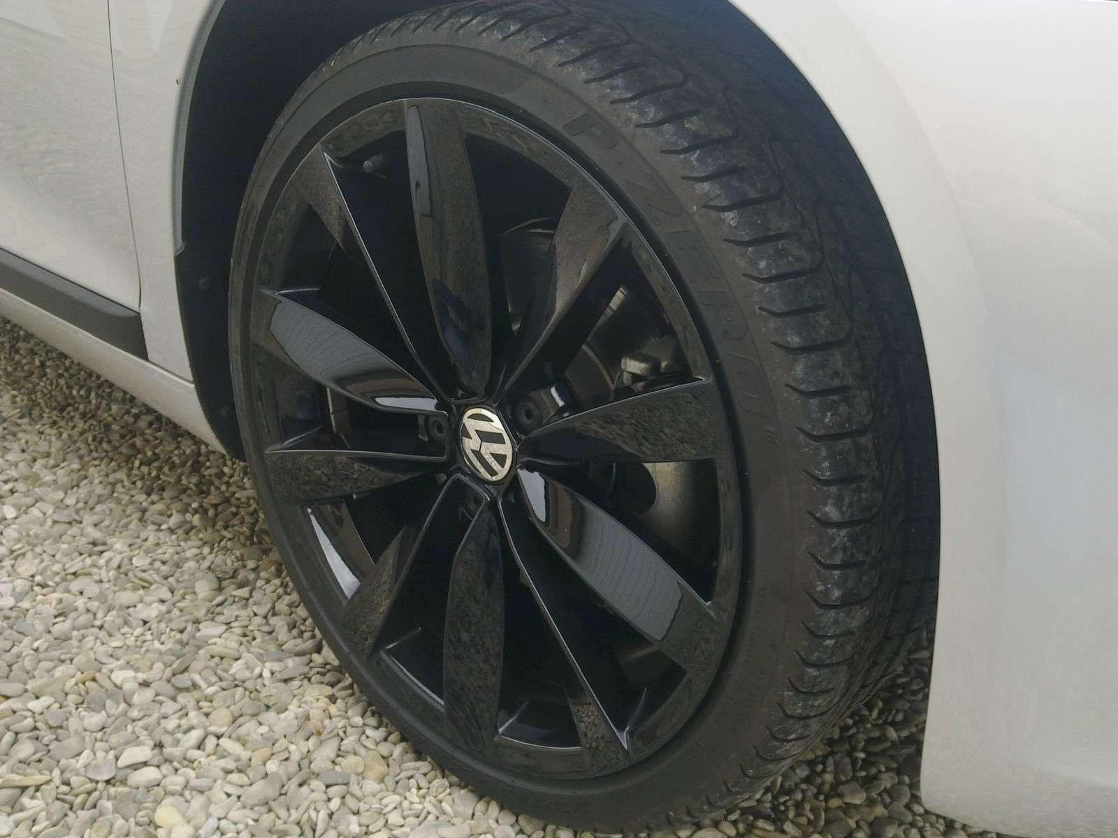 le forum de la volkswagen scirocco afficher le sujet ann jantes lugano noires 19 pneus. Black Bedroom Furniture Sets. Home Design Ideas